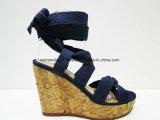 Новая сандалия клина высокой пятки способа женщин прибытия с пальцем ноги щели