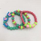 De hete Armband van de Juwelen van de Armband van de Parels van de Verkoop Kleurrijke Plastic
