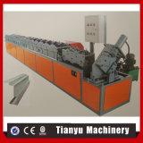 機械を形作る建設用機器のドアのプロフィールロール