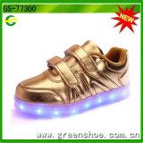 El más nuevo bebé embroma los zapatos con la luz del LED para 2017 Ss