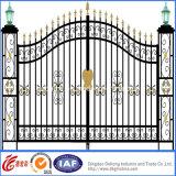 新しいデザイン装飾的なゲートまたは機密保護の錬鉄のゲート