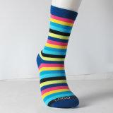 Носки Breathable мягкого хлопка нашивки женщин вскользь и изготовленный на заказ носки