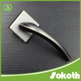 PVD 완료 금에 의하여 도금되는 아연 합금 문 손잡이