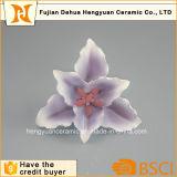 Flores do estramónio feitas da cerâmica por Handmande para a decoração