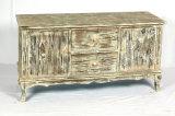 Governo di legno ripreso della TV con la mobilia di legno del salone dei 2 portelli