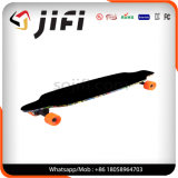 4車輪の二重ハブモーターを搭載する電気Longboardのスケートボード