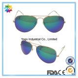 Les lunettes de soleil de pilote les plus neuves de lumière UV de bloc de mode avec la charnière en métal