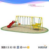 Punten van de Speelplaats van de Speelplaats van de Schommeling van de Speelplaats van kinderen de Openlucht Grappige