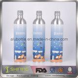 Пустые алюминиевые дешевые выпивая бутылки
