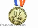 Médaille populaire faite sur commande de membre de club d'organisation avec le placage en laiton antique