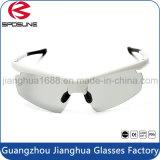 La insignia al aire libre de la impresión se divierte el funcionamiento protector de la resistencia de alto impacto de los vidrios que conduce las gafas de sol de ciclo