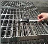 Hete Ondergedompelde Gegalvaniseerde Grating van de Gang van het Platform van de Vloer Staaf Getande