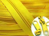 Qualitäts-Nylonreißverschluß, China-Großhandelsnylonreißverschluß für Kleider