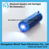 Mini haut-parleur populaire de Bluetooth avec la lampe-torche