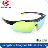 Las gafas de sol del precio de fábrica de Guangzhou venden al por mayor los deportes de la manera UV400 que completan un ciclo los vidrios