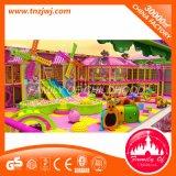 Preços impertinentes internos do castelo das crianças do tema dos doces para o parque de diversões