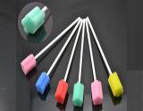 Tige orale remplaçable médicale de vente chaude de mousse, balai d'éponge, bâton d'éponge