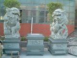 Estatua de piedra del león