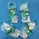 Masque à oxygène médical remplaçable de PVC avec le sac de réservoir (vert, adulte avec la tuyauterie)