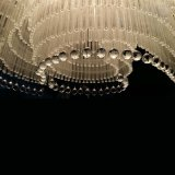 Lobby do hotel Large Wave Shapes Luxo K9 Crystal Chandelier