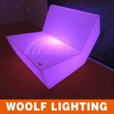Sofà poco costoso della plastica del sofà LED del LED. Sofà del pranzo del ristorante