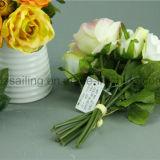 装飾的な人工的な中型のローズの花束の花(SF12503)