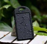 8000mAh Waterproof, absorvem a energia solar têm o banco da potência da iluminação do diodo emissor de luz