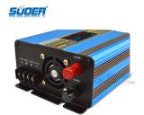 Inversor solar incorporado de la energía solar del regulador 12V de Suoer 500W con el cargador (SUS-500A)