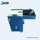 Pierna de los componentes que forma la máquina para los condensadores y los resistores