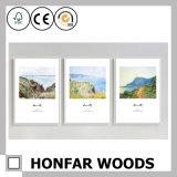 Wand-Dekoration-weißer Vierecks-Farbanstrich-Rahmen oder Foto-Rahmen