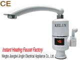 Grifo de la cocina del golpecito de la agua fría/caliente del grifo rotativo con Ce