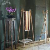 قماش خشب الزّان يقف علاّق خشبيّة طبقة منصب جريدة مسنّنة