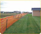 Orange, schwarze, grüne, blaue Farben-Plastikzaun-Draht-Rollenineinander greifen