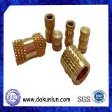 Asta cilindrica zigrinata d'ottone di CNC di precisione su ordinazione