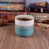 Blanco y sostenedores votivos esmaltados azul de la cera del crisol de la taza de cerámica de la vela