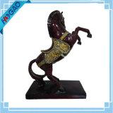 Zeldzame Gesneden Met de hand gemaakt van het Standbeeld van het Paard van de Hars Uitstekende Oude Oosterse Chinese