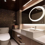 Specchio illuminato progettato interno su ordinazione della stanza da bagno dello specchio di vanità con indicatore luminoso