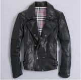 バイカーのジャケットの本革のオートバイのジャケットは卸し売りする