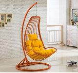 良質のバルコニーの屋外のハングの椅子の編むテラスの振動柳細工の家具(D035)