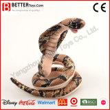 Serpiente suave rellena realista del juguete de la cobra