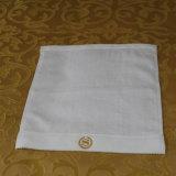 卸し売りホテル30X30cmの綿のロゴの表面タオルの供給