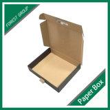 Лоснистая черная коробка упаковки с пластичной ручкой