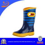 Ботинки дождя мальчиков способа голубые милые резиновый