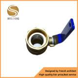 La vávula de bola de acero inoxidable forjó la vávula de bola de cobre amarillo Dn40