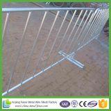 Загородка управлением барьера толпы дороги ног моста металла