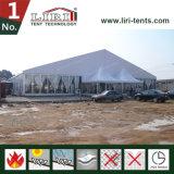 Grande tente d'église de 5000 personnes au Nigéria, grand chapiteau d'église avec l'église Windows
