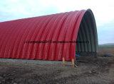 Edificio de acero coloreado dimensión de una variable de la hoja del material para techos del arco sin la máquina de la estructura de acero