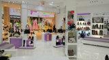 美しい装飾の靴店、女性のための靴のショーケースデザイン