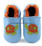 Form-Baby-Kind-gehende lederne Schuhe