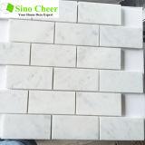 Het beste verkoopt de Baksteen Gevormde Tegel van het Mozaïek van Carrara van de Steen van de Aard Marmeren Witte voor Muur